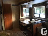 2013 couger 28 foot Fifth-wheel Out door kitchen Sleeps