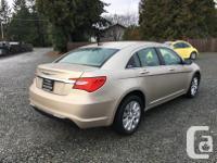 Make Chrysler Model 200 Year 2013 Colour Gold kms
