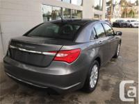 Make Chrysler Model 200 Year 2013 Colour Grey kms