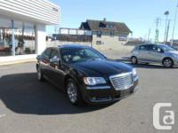 2013 Chrysler 300C-HEMI-WITH GPS.     2013 CHRYSLER 300