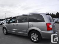 Make Chrysler Model Town & Country Year 2013 Colour