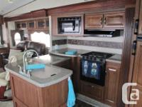 2013 Keystone Cougar 327RES 5th wheel with 3