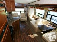 2013 DUTCHMEN KOMFORT 2620FRL NON BUNK MODEL FIFTH