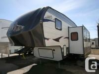 2013 FOREST RIVER CHEROKEE 235B BUNK HOUSE FIFTH WHEEL