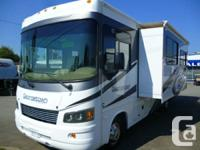 BEAUTIFUL 2013 Forest River GEORGETOWN 280DS  IN MINT