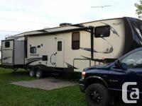 2013 salem hemisphere lite 5th wheel camper. 40ft long.
