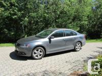 2013 VW Diesel Jetta. Just 13,000 km. 2.0 TDI 6 rate