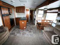 2013 KEYSTONE RV COUGAR 321RES Travel Trailer