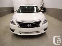 Make Nissan Model Altima Year 2013 Colour White kms