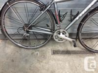 Good condition, Shimano 105, carbon fork. Front