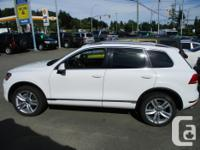 Make Volkswagen Model Touareg Year 2013 Colour white