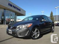 2013 C30 Premier with climate package and leather