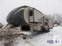 JUST IN 2014 36'/Fifth Wheel/ Hard to find Center