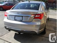 Make Chrysler Model 200 Year 2014 Colour Silver kms