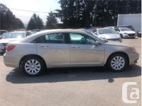 Make Chrysler Model 200 Year 2014 Colour Gold kms