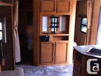Beautiful spacious trailer, 27 ft of living space. Well