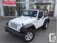 Make Jeep Model Wrangler Year 2014 Colour White kms