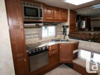 2014 NORTHWOOD ARCTIC FOX 990 Truck Camper $34,990.00