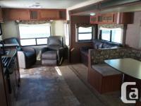 2014 R-Vision Island Trek 282RLS for sale in Nanaimo.