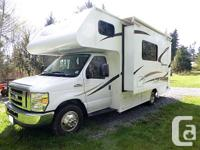 2015 Adventurer Class C Motor Home on a 2014 Ford E350