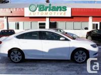 Make Chrysler Model 200 Year 2015 Colour White kms