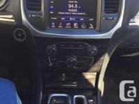Make Chrysler Model 300S Year 2015 Colour white kms