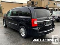 Make Chrysler Model Town & Country Year 2015 Colour