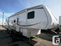 2015 CROSSROADS Recreational Vehicle ZINGER 5W 31BH.