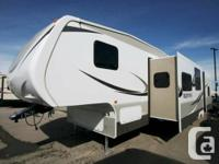 2015 CROSSROADS RV ZINGER REZERVE 31BH. Fifth Tire.