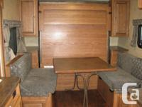 Dinette converts down for Murphy bed, 3 Burner oven