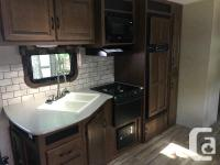 We are selling our 2015 Jayco Eagle 314 BHDS. Like new
