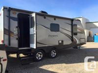 Perfect couples camper! Mint condition, 24 fttravel