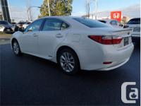 Make Lexus Model Es 300H Year 2015 Colour White kms