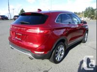 Make Lincoln Model MKC Year 2015 Colour Ruby Red