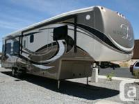 AVAILABLE FOR SALE AT SUNSHINE RV. FAMILY HAD AND
