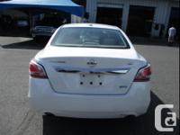 Make Nissan Model Altima Year 2015 Colour Pearl White