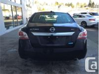 Make Nissan Model Altima Year 2015 Colour Black kms