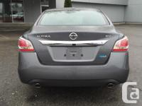 Make Nissan Model Altima Year 2015 Colour Grey kms