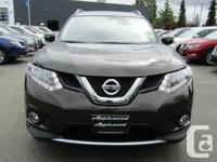 Make Nissan Model Rogue Year 2015 Colour Green kms