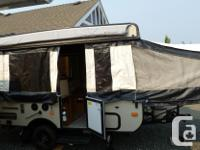 Palomino Basecamp 10B folding pop-up camper like new