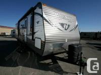2015 KEYSTONE RV HIDEOUT TT 31RBDS. Travel Trailer.