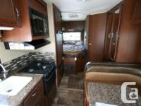 2015 THOR MOTOR COACH CHATEAU 22E NON BUNK MODEL CLASS