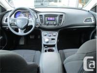 Make Chrysler Model 200 Year 2016 Colour White kms