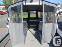 This Thunderjet 20' Falcon 1/2 Hard Top comes powered