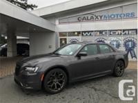 Make Chrysler Model 300 Year 2017 Colour Grey kms
