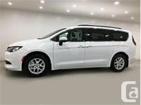 Make Chrysler Model Pacifica Year 2017 Colour Bright