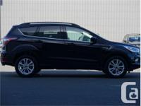 Make Ford Model Escape Year 2017 Colour Black kms