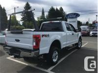 Make Ford Model F-250 Year 2017 Colour White kms 14896