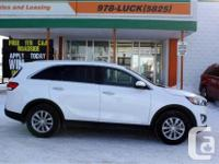 Make Kia Model Sorento Year 2017 Colour White kms