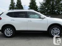 Make Nissan Model Rogue Year 2017 Colour Pearl White